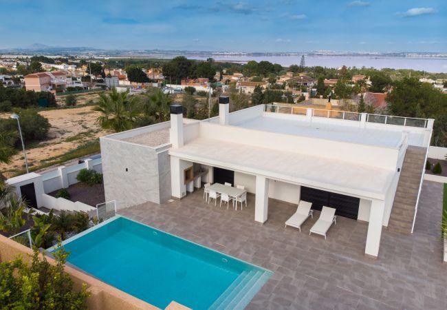 Villa en Torrevieja - Fidalsa Dom Perignon